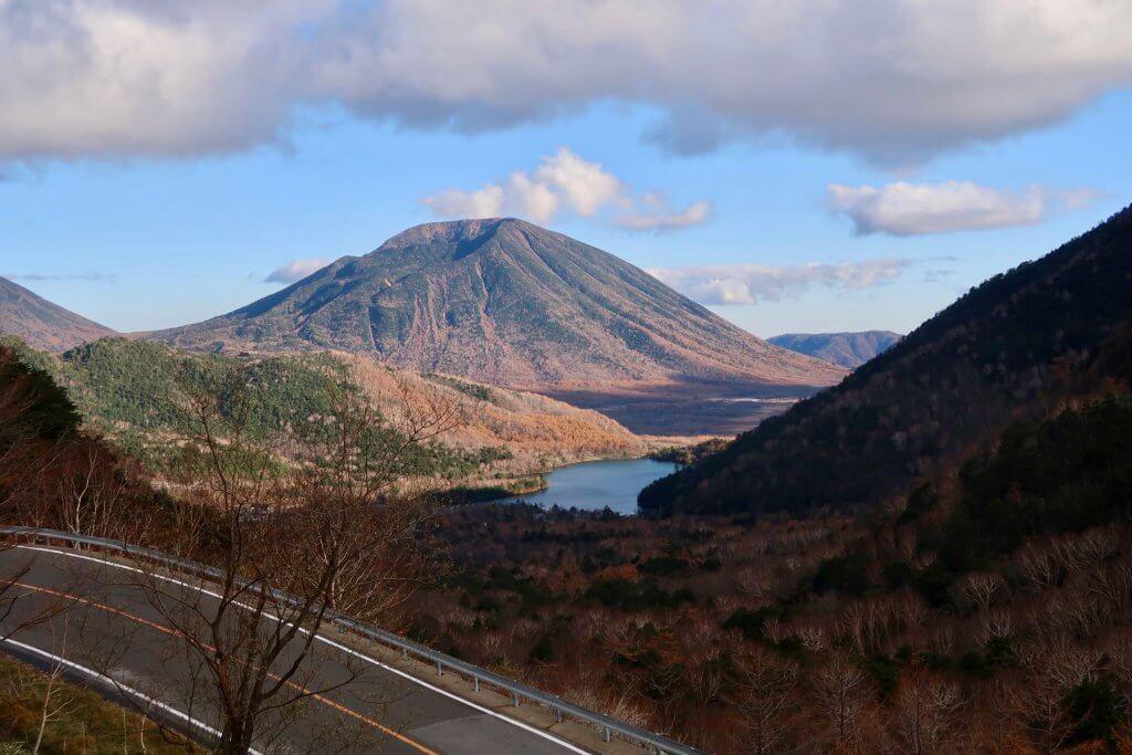 男体山と湯ノ湖